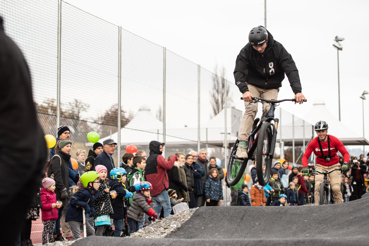 https://www.pedale-wil.ch/wp-content/uploads/shows_pumptrack.jpg